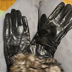Leather gloves cashmere lining. Fur cuff real dyed